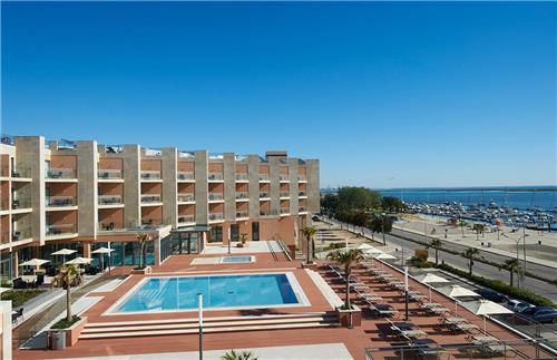Real Marina Hotel & Spa - inclusief huurauto
