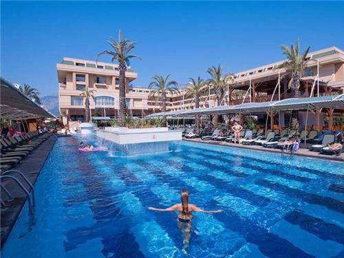 Crystal De Luxe Resort