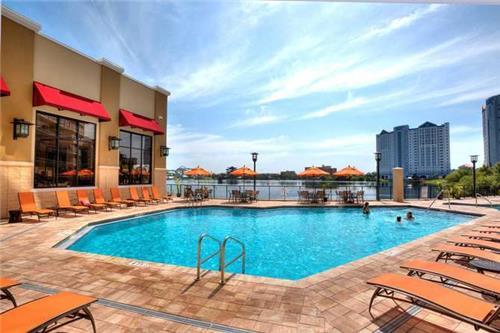 Plaza Resort & Suites