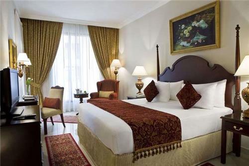 Hotel & App. Two Seasons
