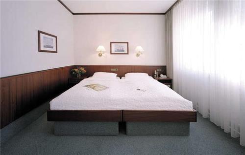 Sorat Hotel Ambassador