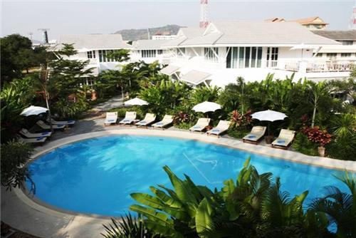Baan Laksasubha Resort