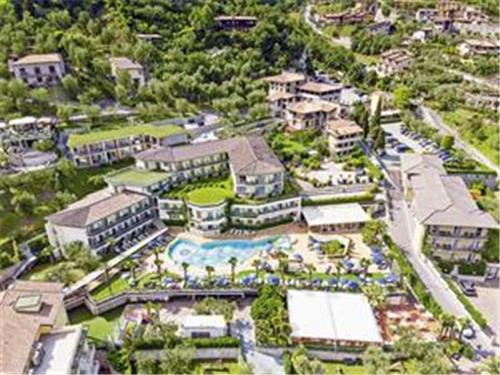 Blu Royal Village