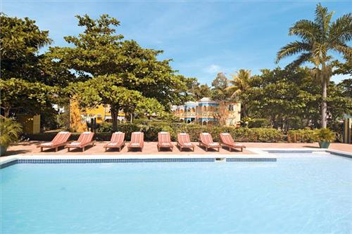 Hotel Grand Pineapple Beach Resort