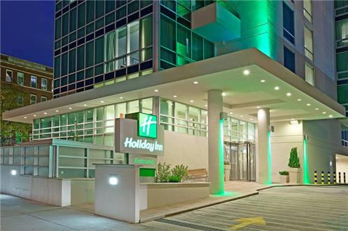 Holiday Inn Manhattan View