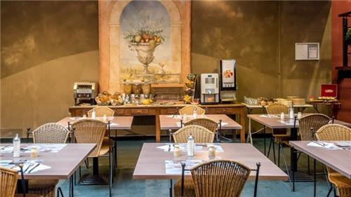 Arrangement Arass Hotel en Business Flats   Antwerpen