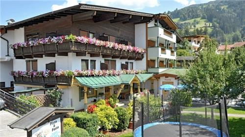 Arrangement Pension Schmiedhof   Tirol