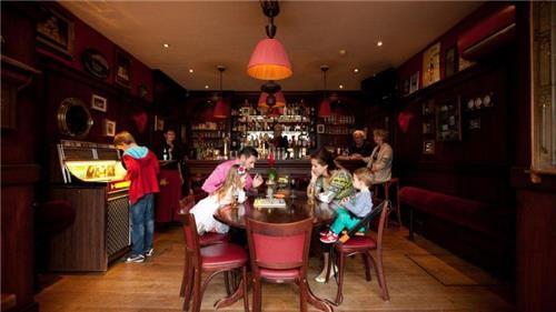 Arrangement Hotel Restaurant Victoria | Nederlandse Kust