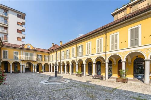 Piazza Pedroni Due