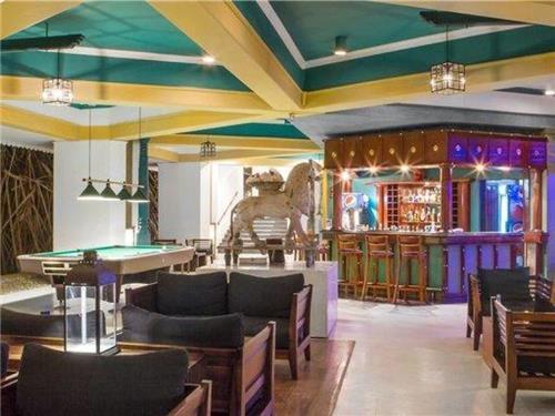 Hotel Tangerine Beach Resort
