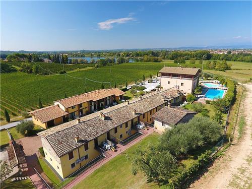 Hotel Residence La Bertoletta Corte En Village