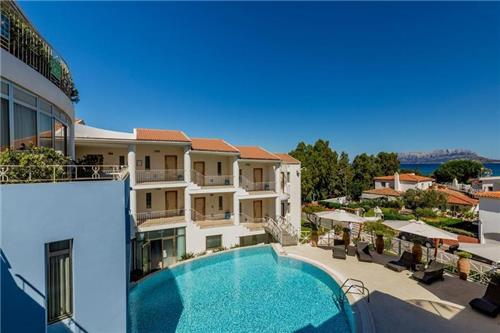Hotel The Pelican Beach Resort En Spa
