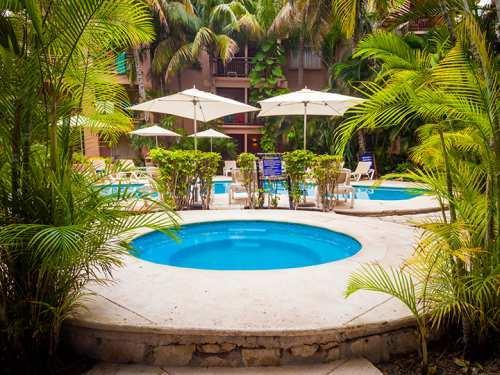 Hotel El Tukan & Beach Club